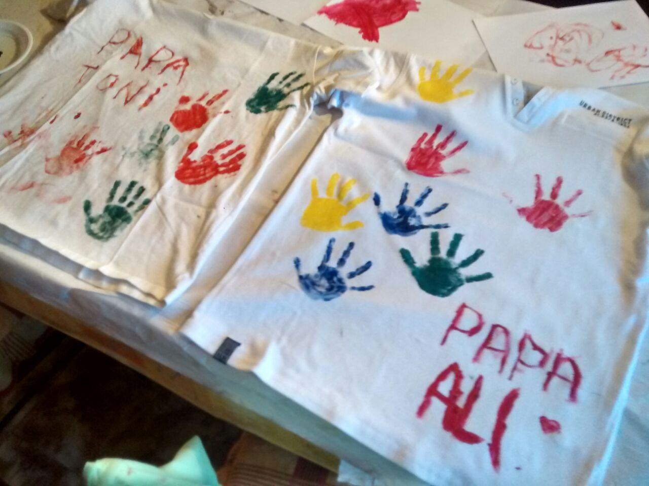 Pintar con manos alba pons - Ninos pintando con las manos ...